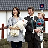 In Apr. 2007 Mary left the hospital with their newborn daughter Isabella, as Frederik and Christian walked beside her.
