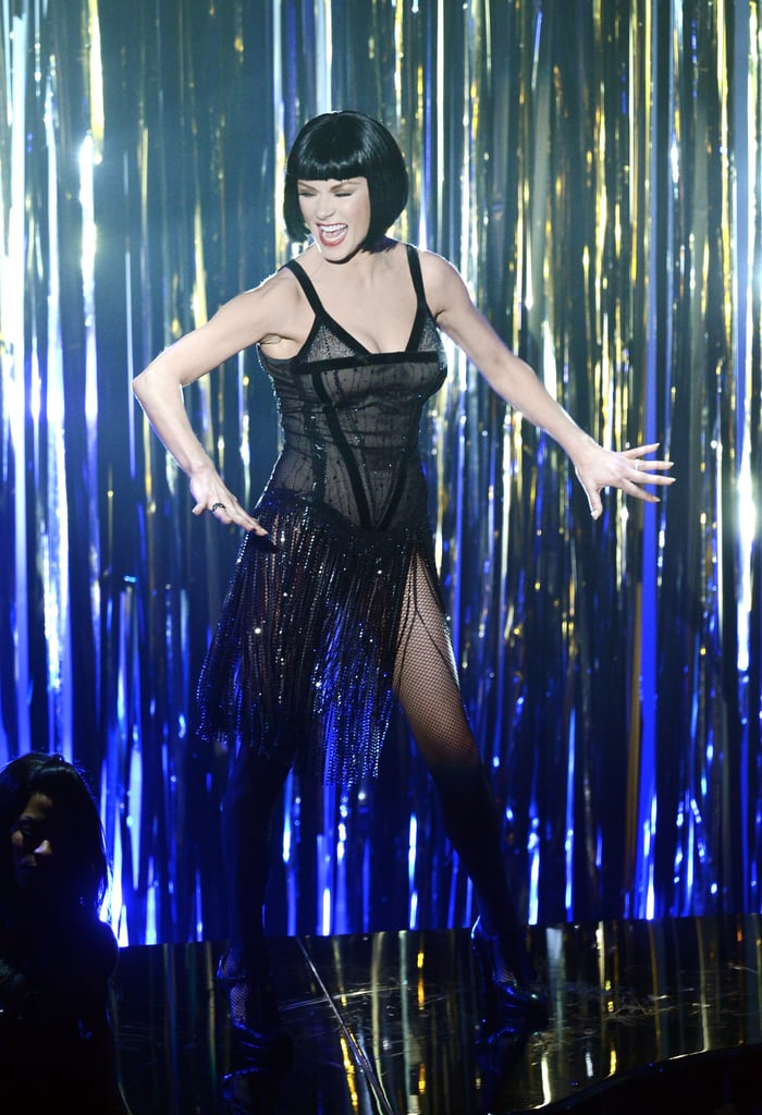 Catherine Zeta-Jones performed a number from Chicago at the Oscars.