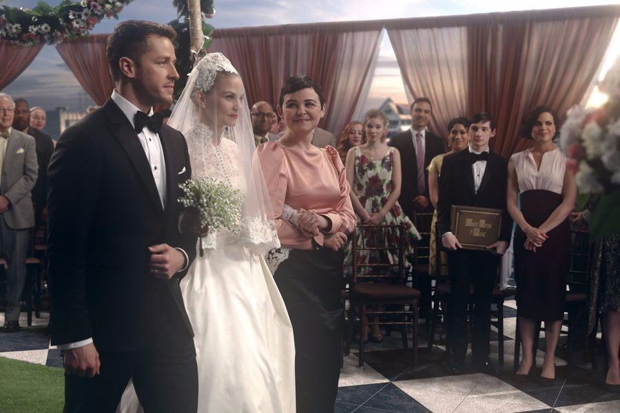 Emma Swan\'s Wedding Dress on Once Upon a Time | POPSUGAR Fashion