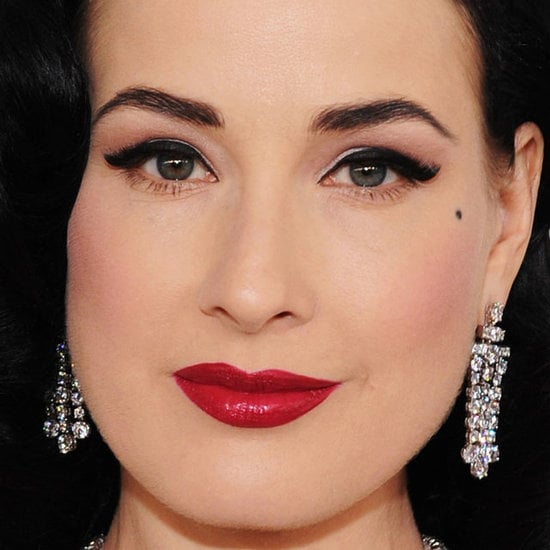 2012 Top Oscars Trend: Winged Eyeliner