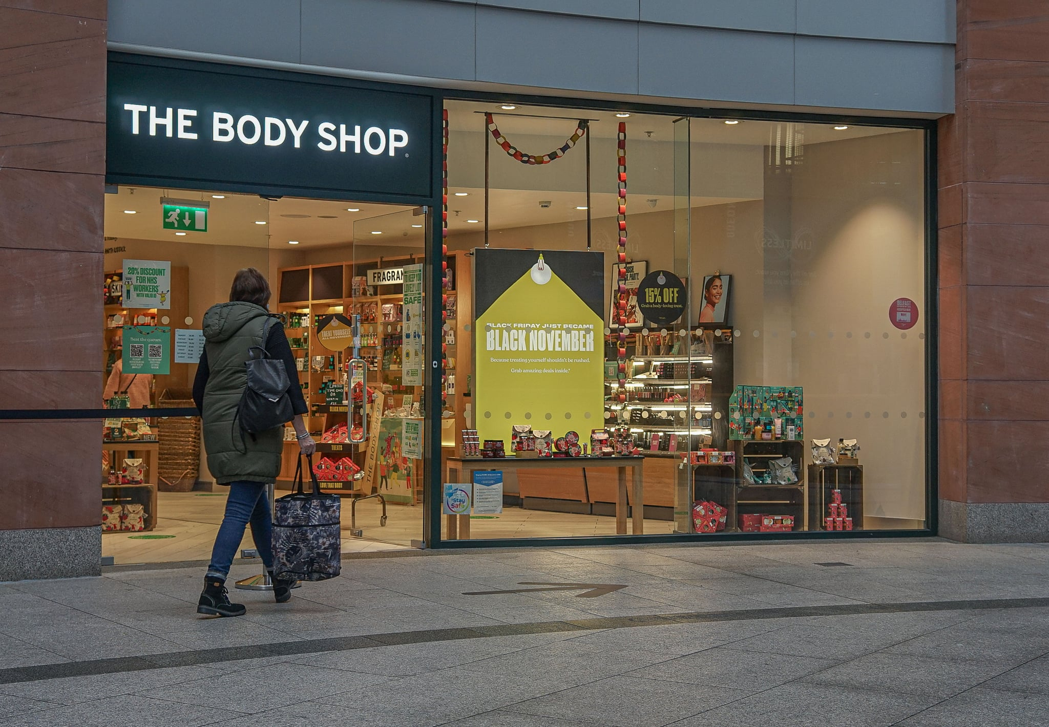 BELFAST, UNITED KINGDOM - 2020/11/16: A customer seen entering The Body Shop. (Photo by Michael McNerney/SOPA Images/LightRocket via Getty Images)