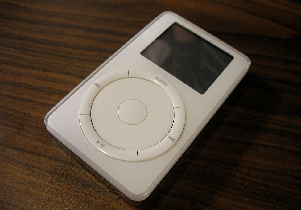 2001: iPod