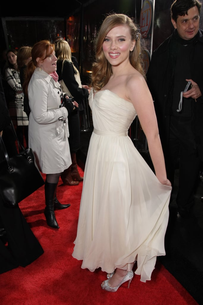 Scarlett showed off a white chiffon dress on the red carpet in 2008.