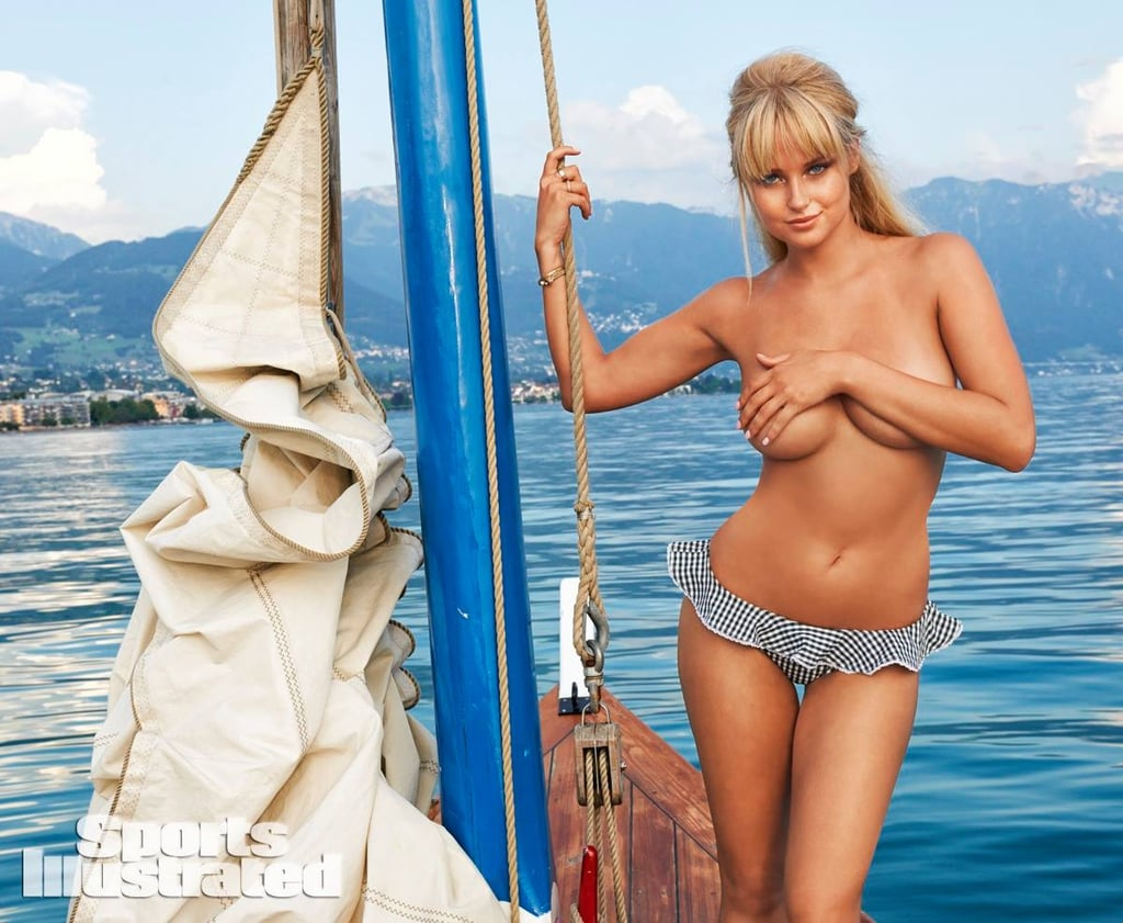 Si swimsuit girls breasts #8