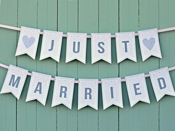 Famous Just Married Banner | Free Printable Wedding Signs | POPSUGAR  OC05