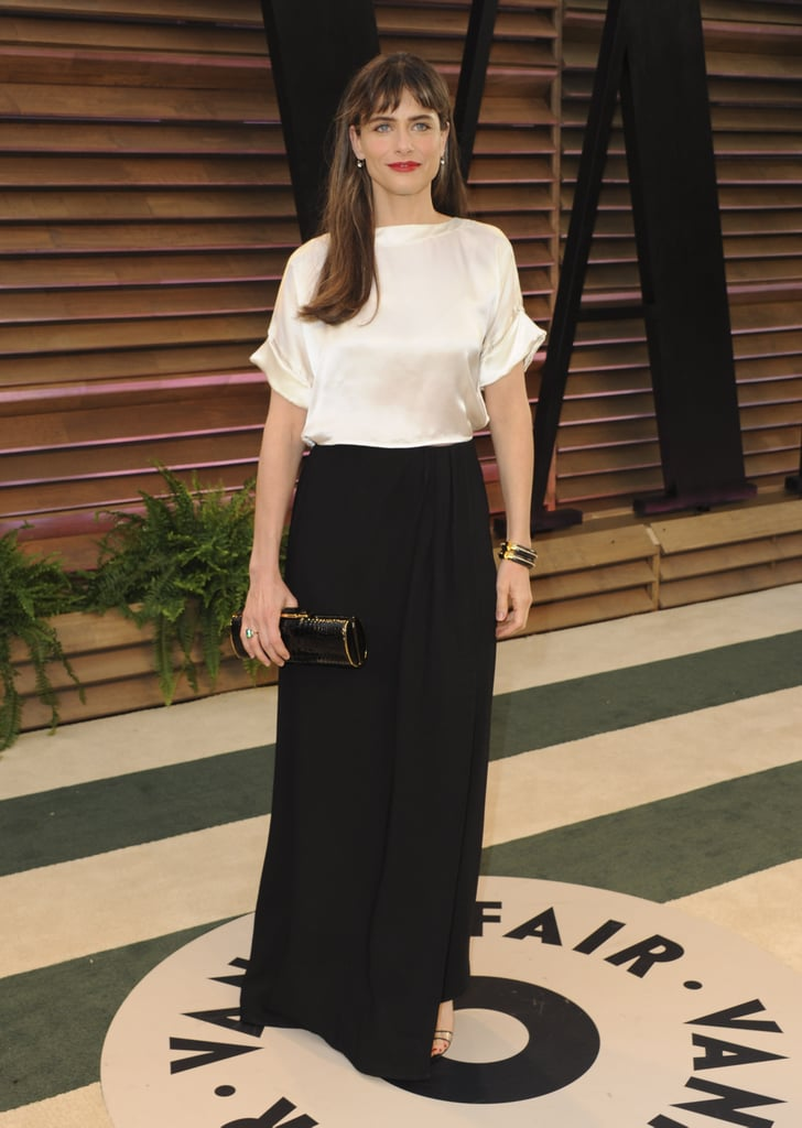 Amanda Peet showed up for the Vanity Fair Oscars party in black and white.