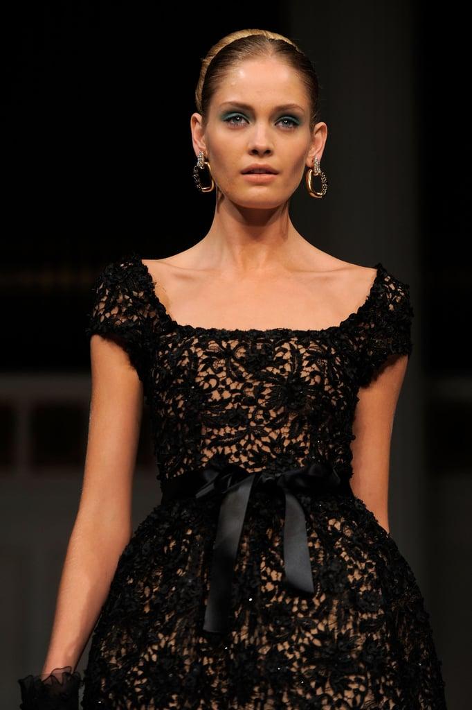 Spring 2011 New York Fashion Week: Oscar De La Renta 2010-09-17 10:22:48