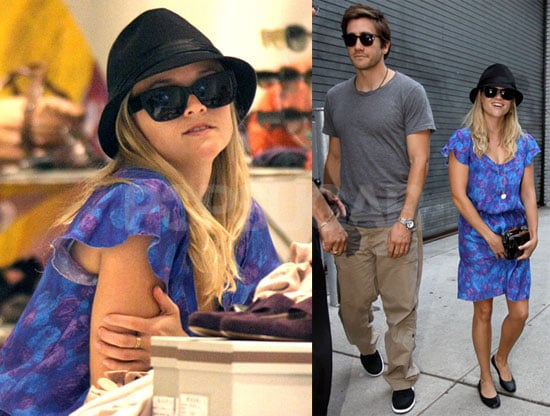 Photos of Reese Witherspoon and Jake Gyllenhaal Shopping Around NYC