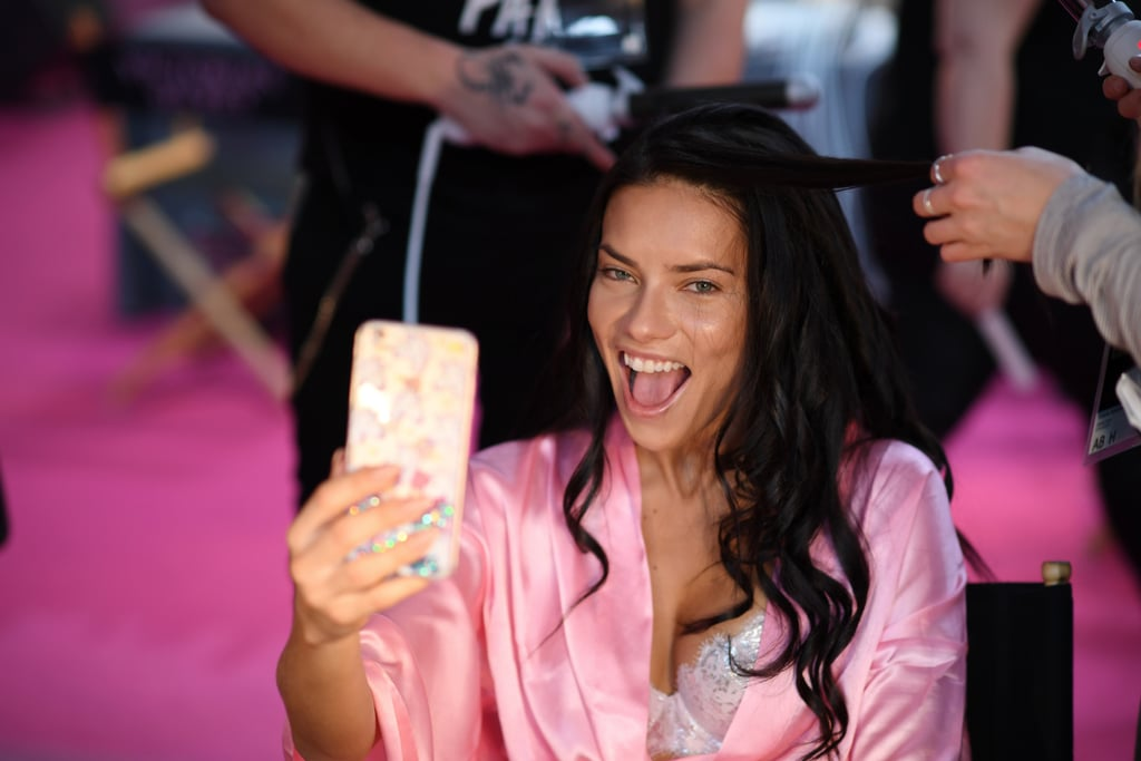 These Backstage Photos Show Your Favorite Victoria's Secret Angels Look Great Without Makeup