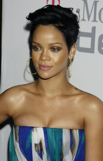 Details on Rihanna's Injuries After Alleged Chris Brown Attack, Plus Roundup of Today's Entertainment News Stories