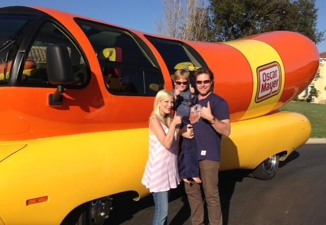 Tori Spelling and Dean McDermott got the Wienermobile to come to Liam's sixth birthday party. Source: Twitter user torianddean