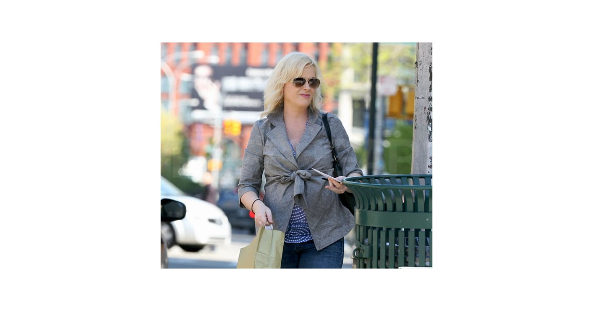 Slide Picture of Amy Poehler Pregnant Shopping in New York ...