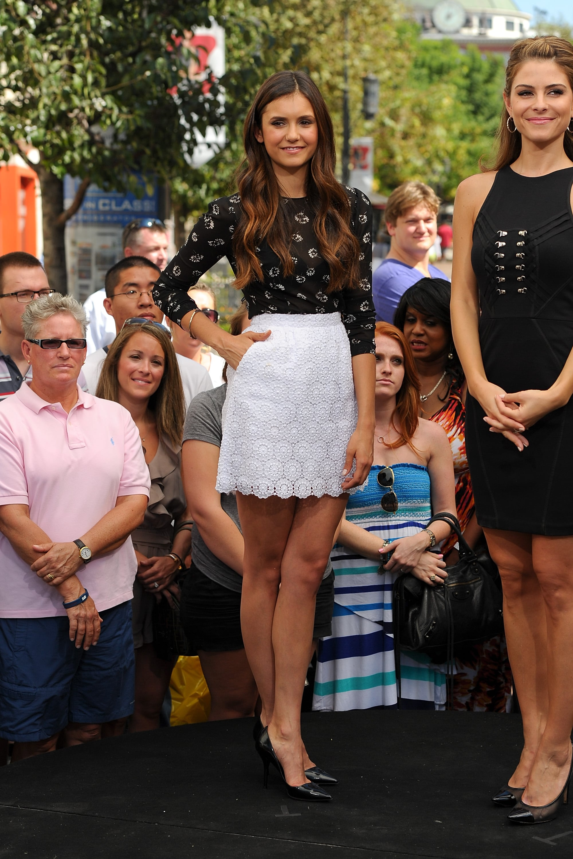 Nina showed off her stems in this pretty Dolce & Gabbana set for an appearance on Extra in September 2012.