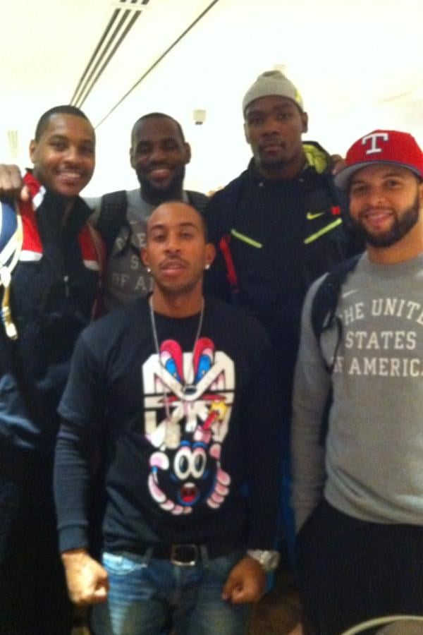 Ludacris posed with members of the USA men's basketball team.  Source: Twitter user Ludacris