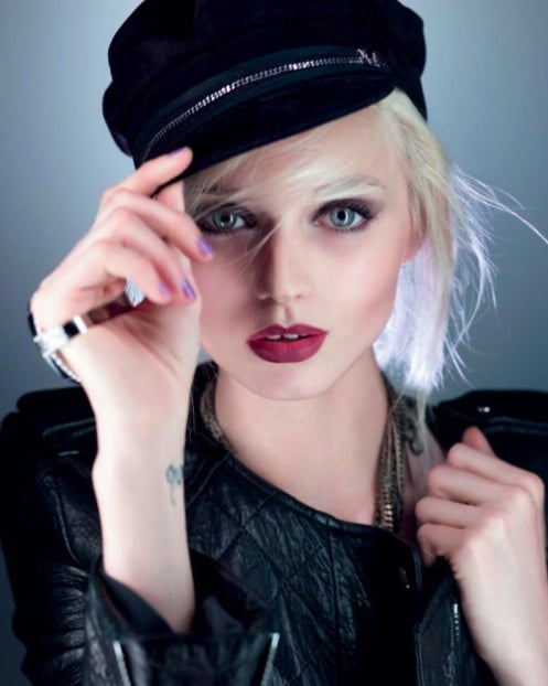 Abbey Lee Kershaw, Casquette Aby