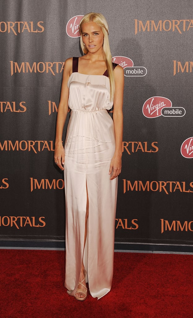 Isabel Lucas looked every bit a goddess on the red carpet.