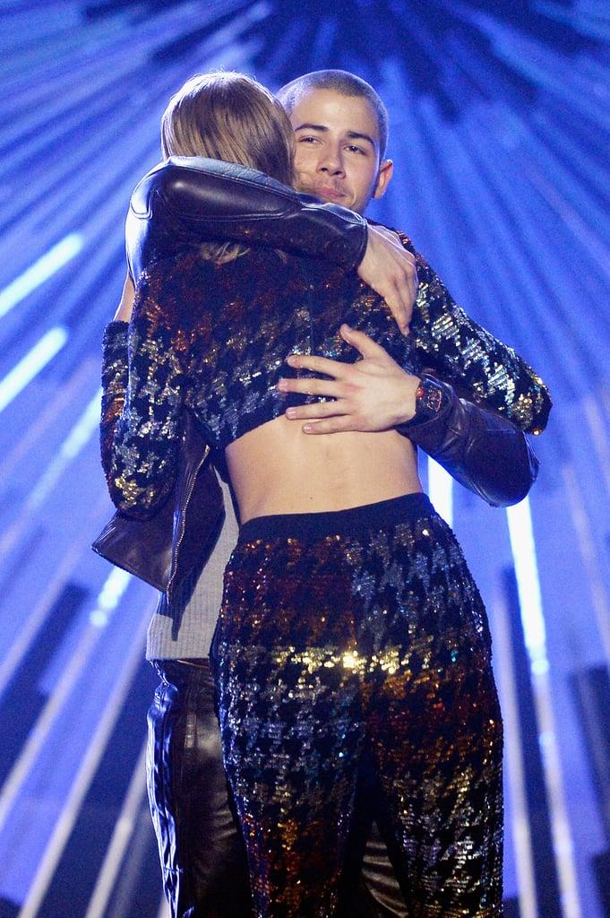 Taylor Swift Hugging Nick Jonas at the 2015 VMAs