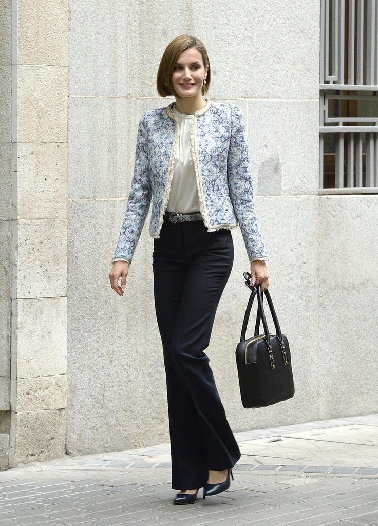 We love the light blue tweed jacket, featuring a subtle pattern and delicate fringe, Letizia wore to a meeting at the Spanish Association Against Cancer in May 2015.