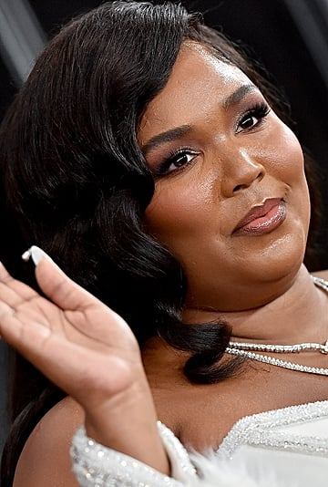 Lizzo Shows Off Platinum Bleached Brows on Instagram