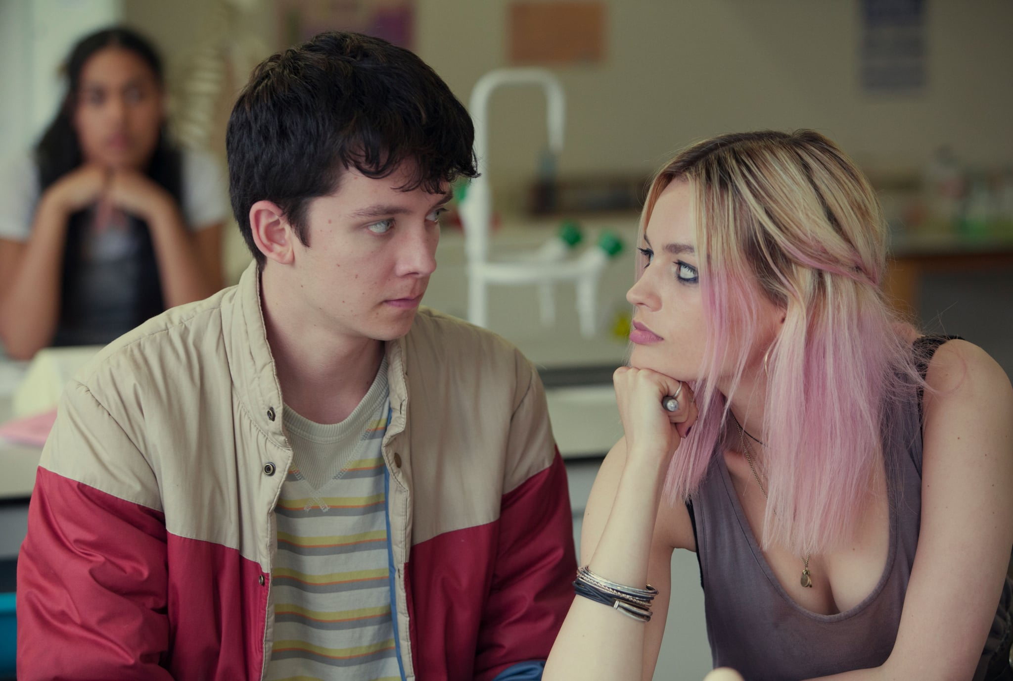 SEX EDUCATION, from left: Asa Butterfield, Emma Mackey, (Season 1, ep. 101, airs Jan. 11, 2019). photo: Jon Hall / Netflix  / Courtesy: Everett Collection