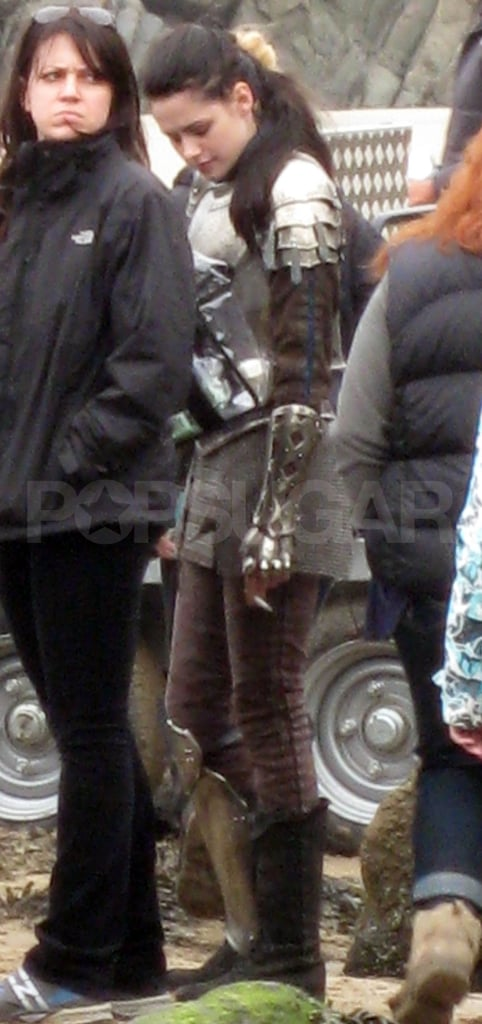 Kristen Stewart hangs out and smokes on the Snow White and the Huntsman set in Wales.