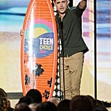 Zac Efron scooped up an award a the 2012 show for the Teen Choice Awards.