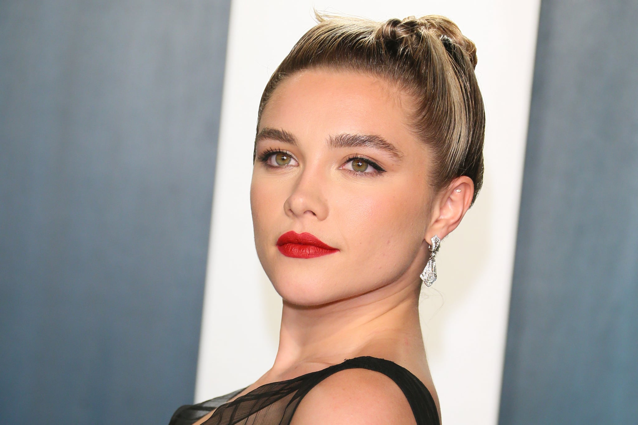 British actress Florence Pugh attends the 2020 Vanity Fair Oscar Party following the 92nd Oscars at The Wallis Annenberg Center for the Performing Arts in Beverly Hills on February 9, 2020. (Photo by Jean-Baptiste Lacroix / AFP) (Photo by JEAN-BAPTISTE LACROIX/AFP via Getty Images)