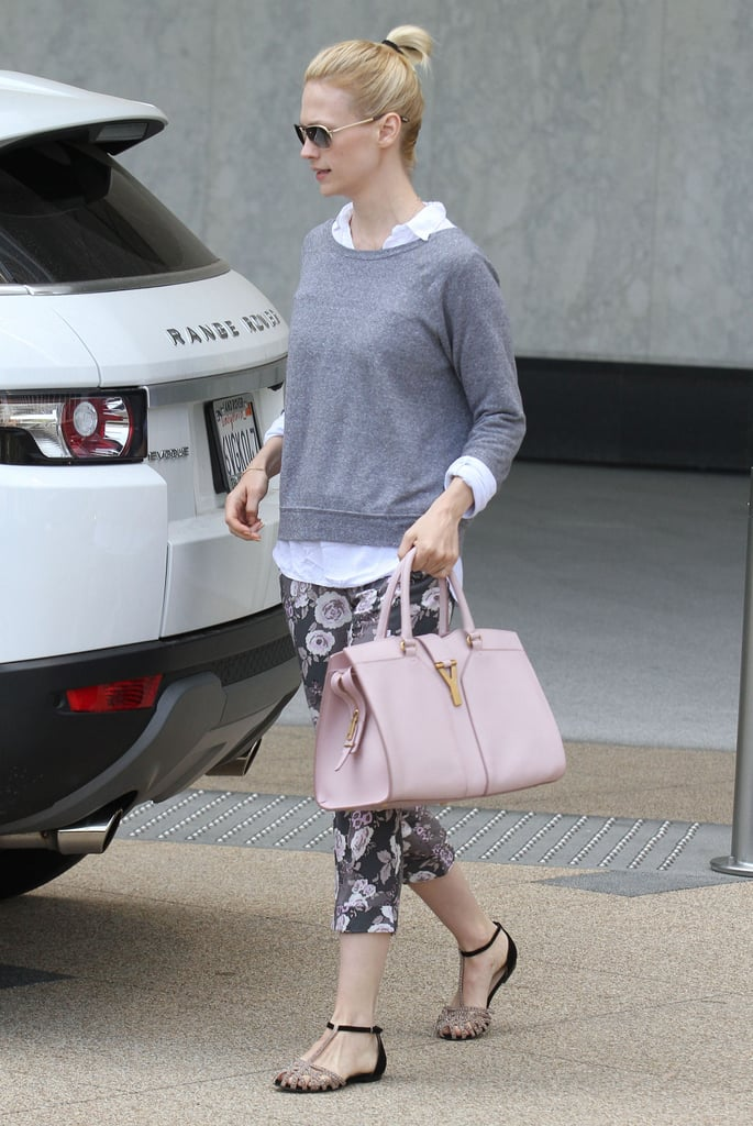 January Jones opted for two-toned Zara flat sandals as a feminine complement to her laid-back floral-infused outfit on top. While flip-flops would have easily completed this off-duty look, we love that she put a slightly girlier spin on her footwear.