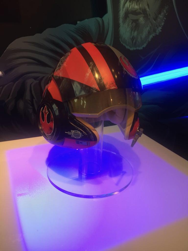 Poe Dameron X-Wing Helmet