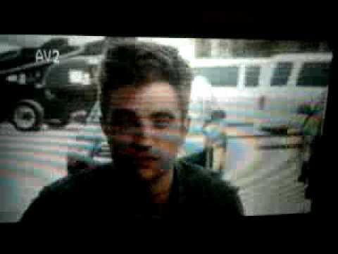 Video Clip of Robert Pattinson Picking Up Award for Performance of the Year At National Movie Awards on Water for Elephants Set