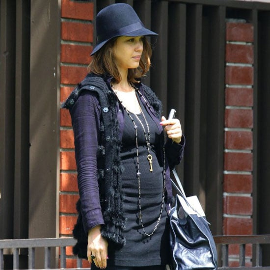 Pictures of Jessica Alba's Baby Bump With Honor at a Park