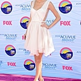 Taylor Swift posed with her hand on her hip at the Teen Choice Awards.