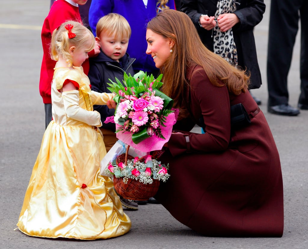 Kate Middleton Getting Flowers From Fans Pictures