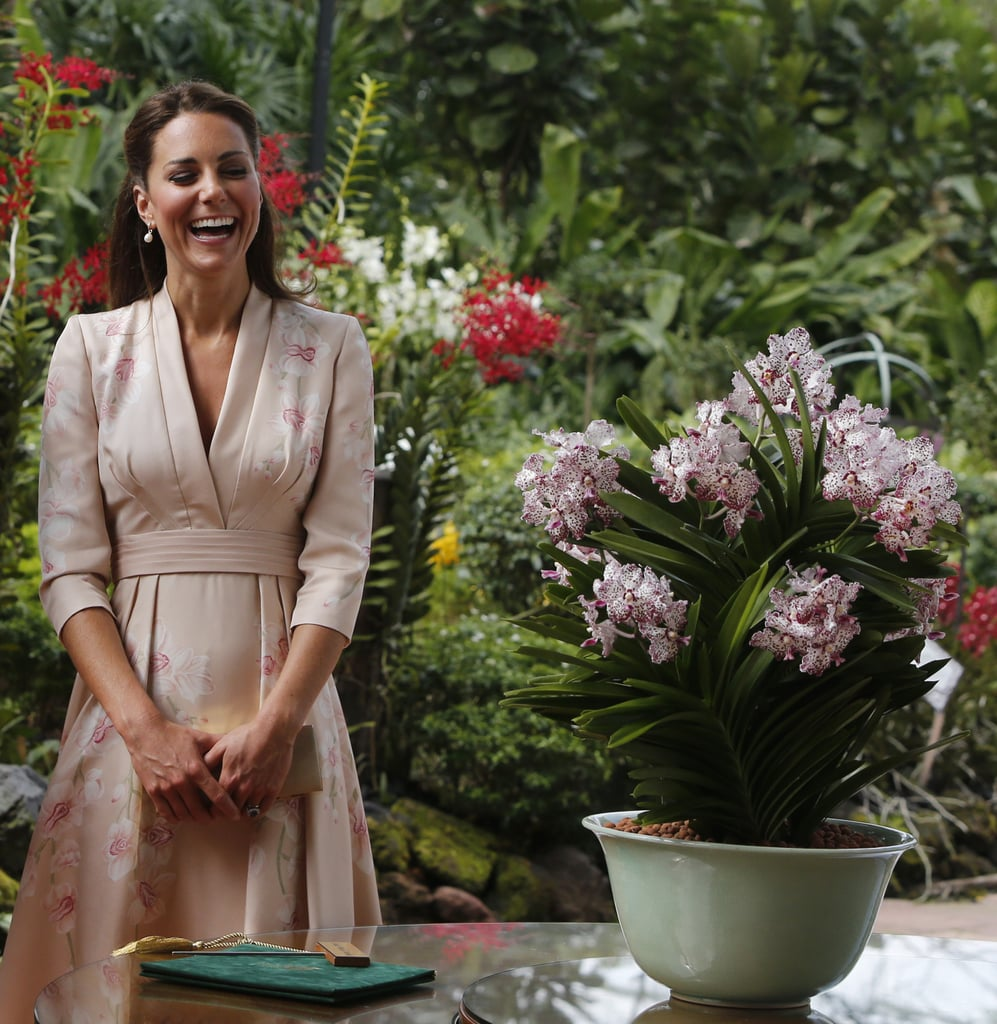 Kate Middleton wore Jenny Packham to visit the Botanical Gradens in Singapore.