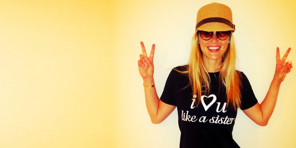 Peace Signs, Pool Days, and More Cute Celebrity Candids
