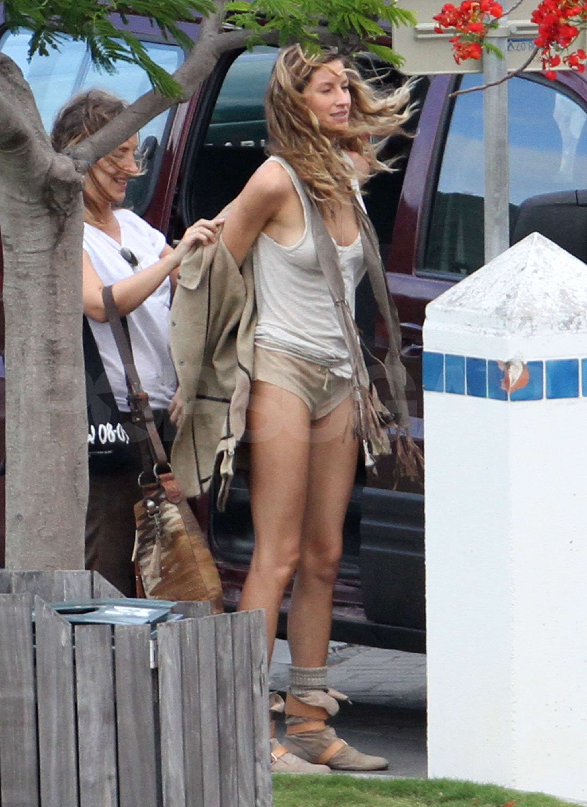 pictures of gisele bundchen's butt in tiny shorts in st. barts