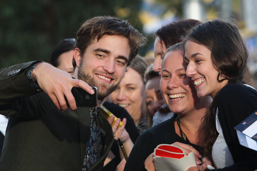 Robert Pattinson greeted fans on his Breaking Dawn Part 2 promotional tour in Sydney.