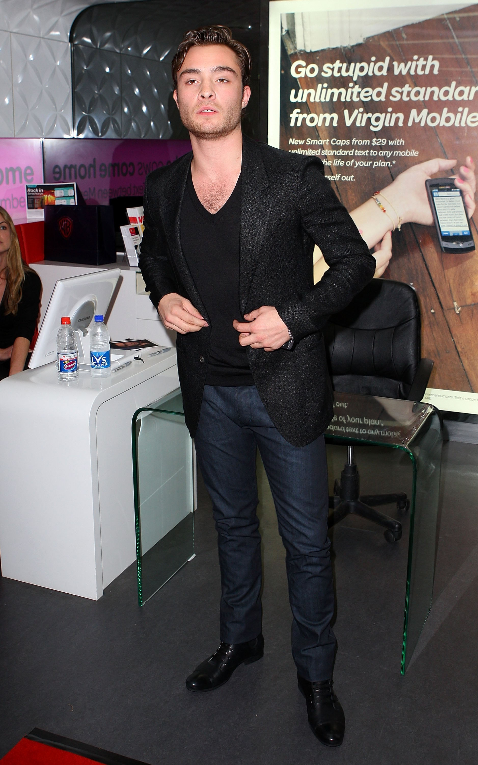 Gossip Girl star Ed Westwick mobbed by fans at Virgin Mobile event in