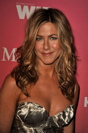 Jennifer Aniston Wins Parenting Award