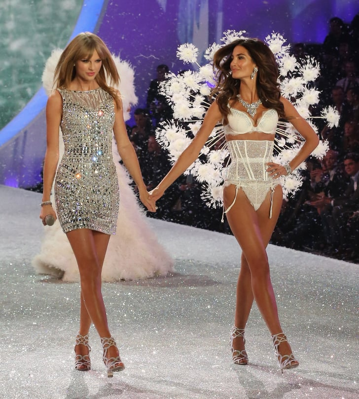 Taylor Swift At 2013 Victoria S Secret Fashion Show Pictures Popsugar Celebrity Australia