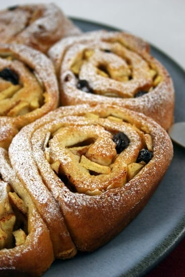 Yummy Link: Apple & Cinnamon Chelsea Buns