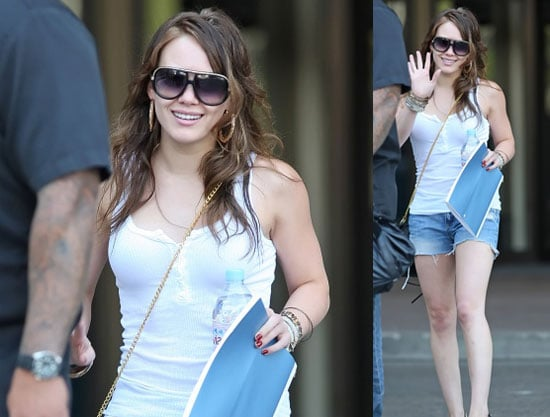 Hilary Duff Keeps It Healthy