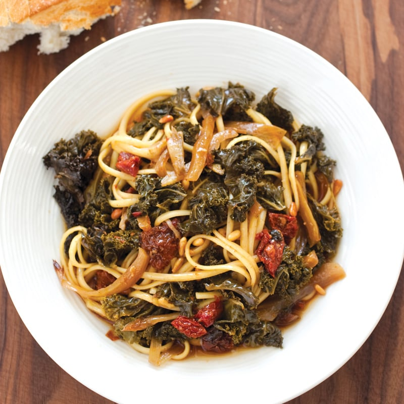 Slow-Cooked Kale, Fennel, and Sun-Dried Tomato Pasta Sauce