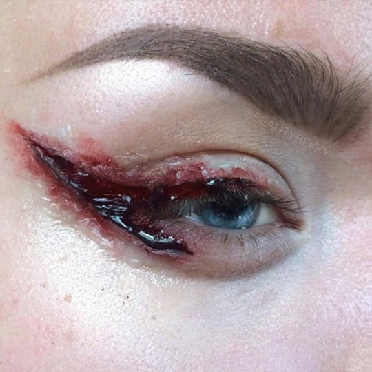 SFX Bloody Cut Crease Makeup