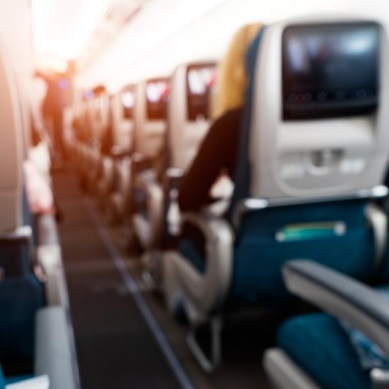كيفيّة اقتناص صفٍّ كامل من المقاعد الفارغة على الطائرة