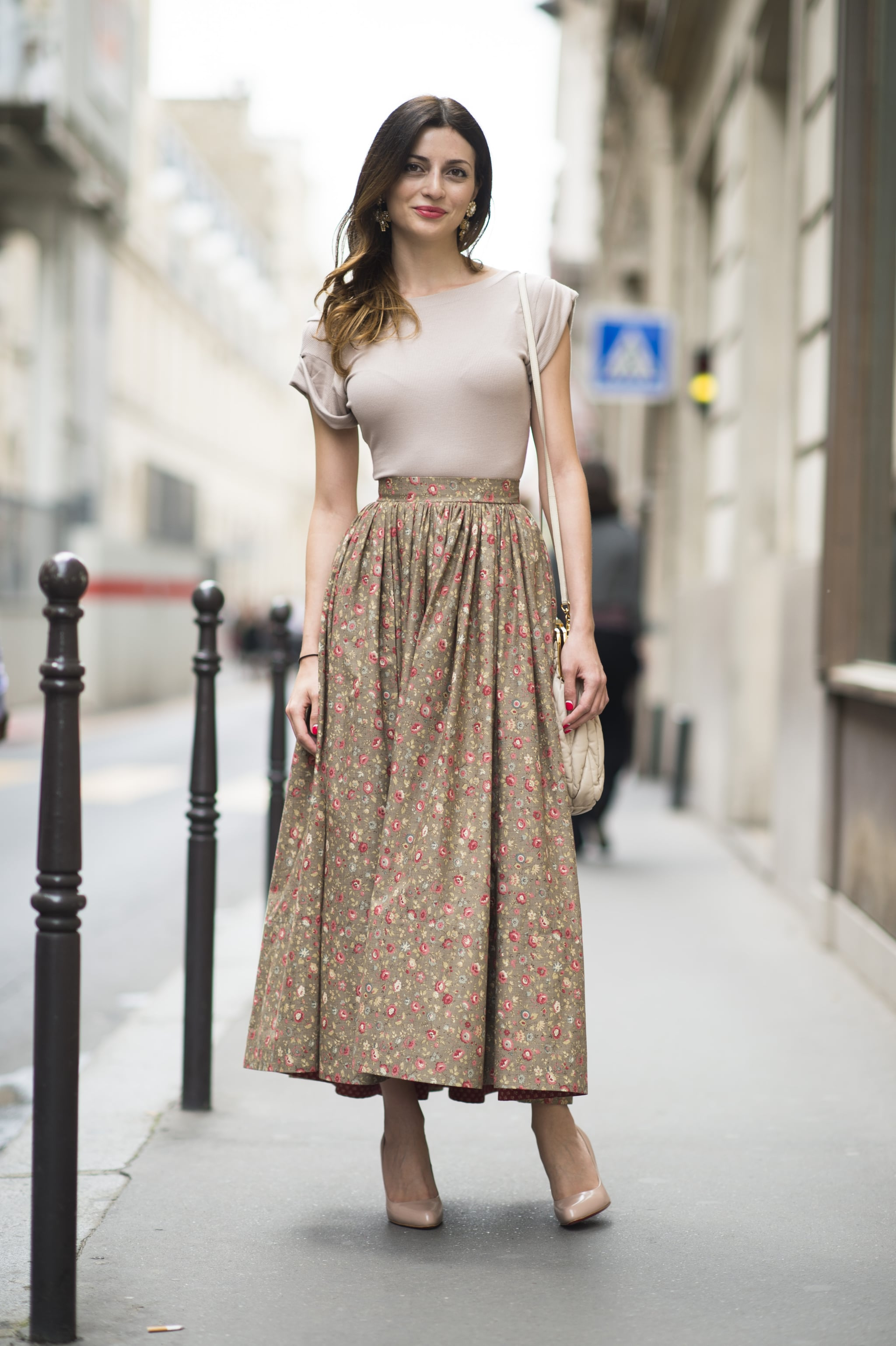 A billowy long skirt looked sleek when styled with a tight and tucked-in tee. Source: Le 21ème   Adam Katz Sinding