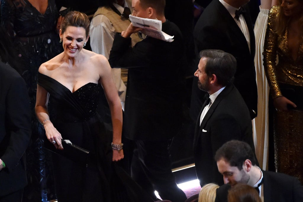 Single and fabulous Jennifer Garner shared a laugh with Steve Carell.