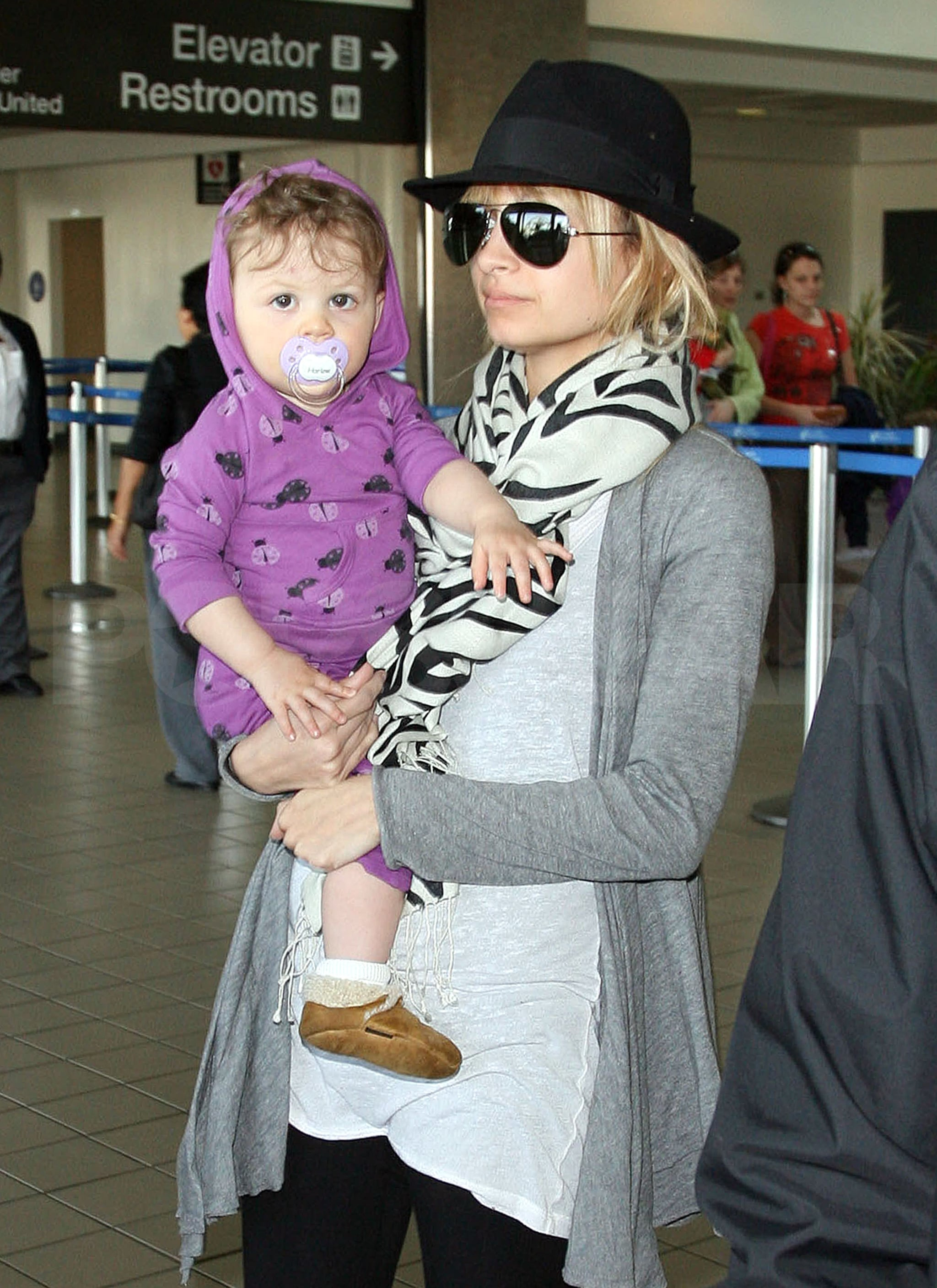 Photos of Nicole Richie With Celebrity Baby Harlow Madden ...