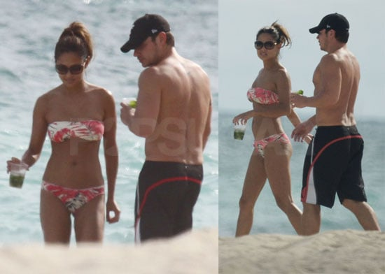 Vanessa Minnillo Bikini Photos in Miami With Nick Lachey for Thanksgiving