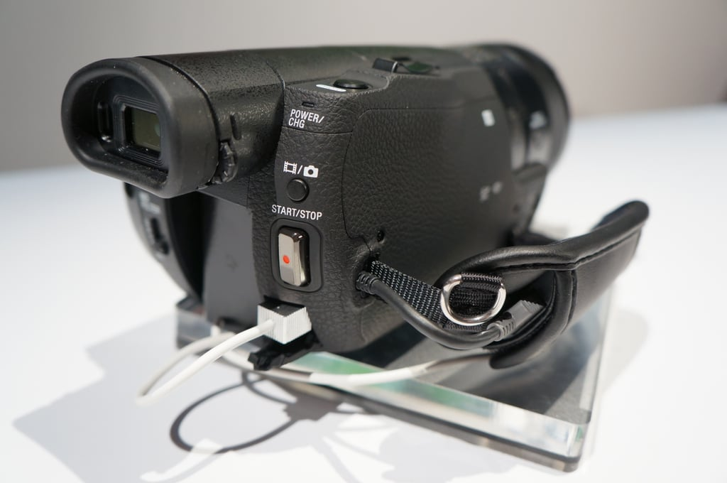Handycam FDR-AX100 Eyepiece